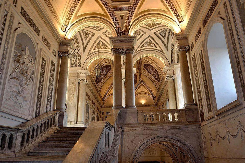 Catania monastero interno notturno