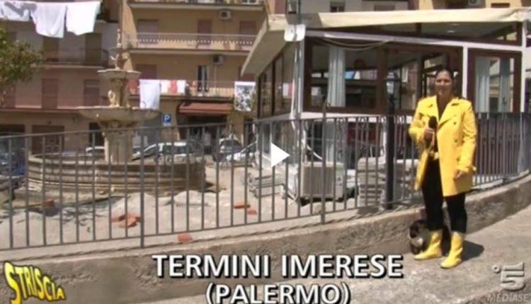 1Termini Imerese fontana in piazza Carlo Alberto Dalla Chiesa con il gazebo durante i servizio di striscia la notizia