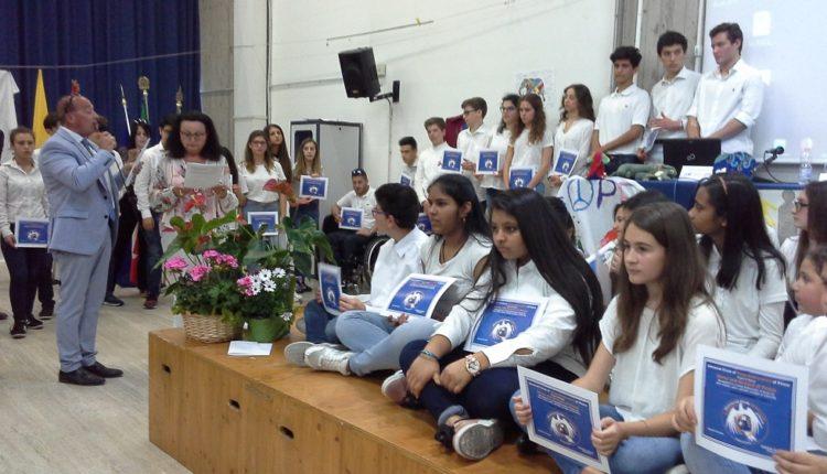 Carlos Palma Lema, Gabrielle Simond ed i Giovani Ambasciatori di Pace