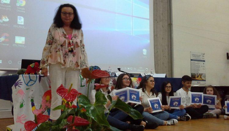 Gabrielle Simond ed i Giovani Ambasciatori di Pace