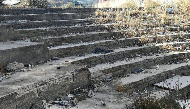 palazzine viale-moncada-degrado-spazzatura-danni strutturali (4)