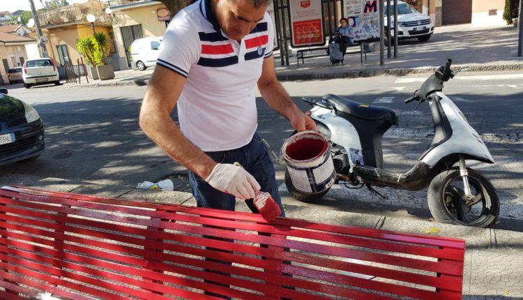 panchina rossa sistemata dopo-attacco vandalico (3)