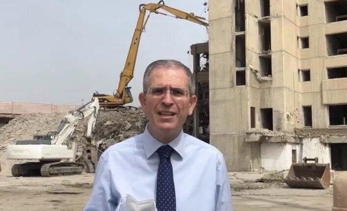 Falcone al cantiere demolizione Palazzo Poste Catania