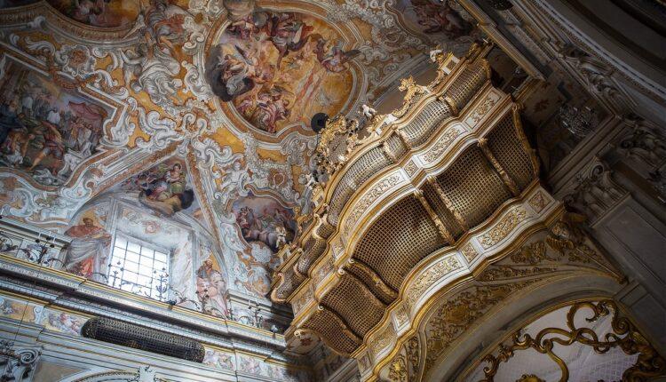 Catania, interno della chiesa di San Benedetto