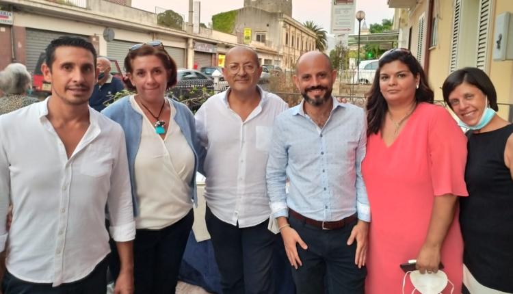 foto gruppo Sinalp Carini con il Segr. Reg. Andrea Monteleone