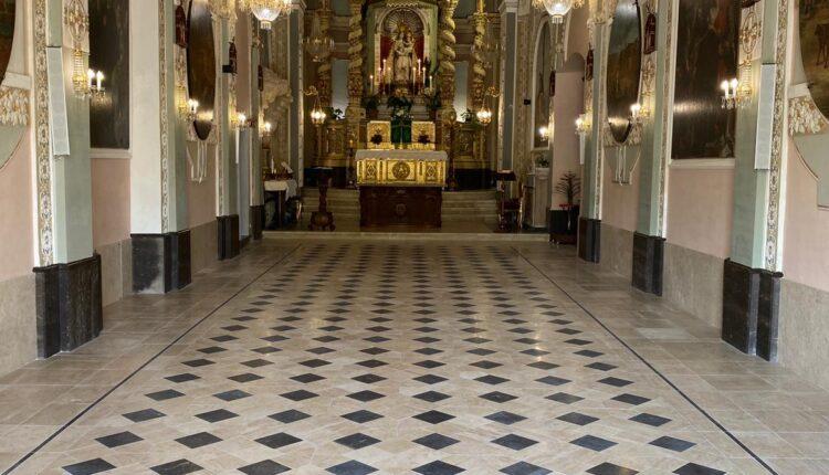 il pavimento della chiesa (ph Giovanni Gatto)