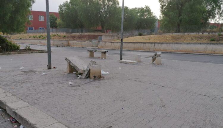 panchine vandalizzate2