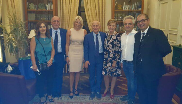 relatori ed organizzatori con il direttore Siciliano
