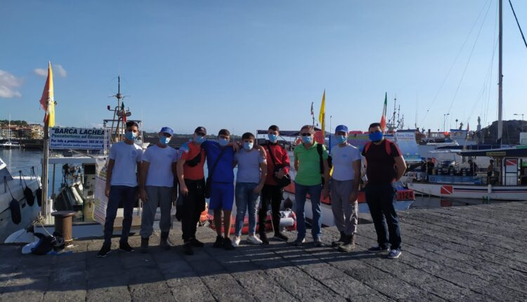 I ragazzi del professionale vanno a pesca- istituto duca abruzzi catania
