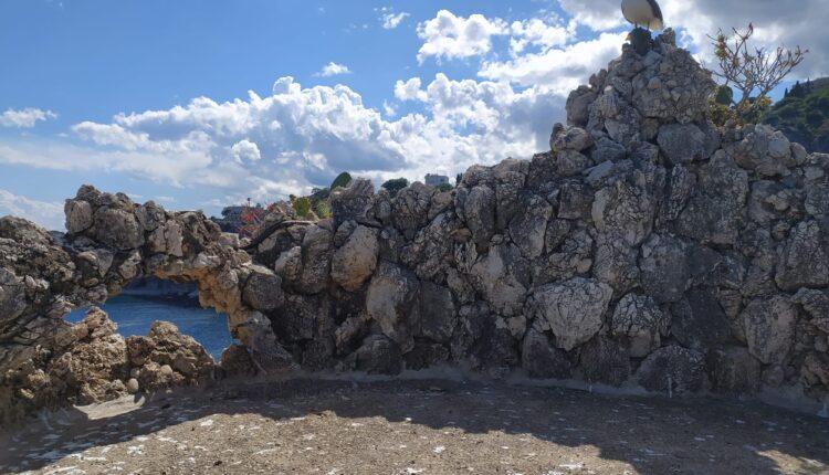 PNT, ISOLA BELLA, una terrazza di Villa Bosurgi mimetizzata nella roccia