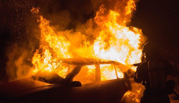 auto incendiata repertorio
