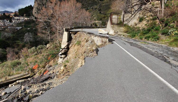 strada provinciale Roccella2