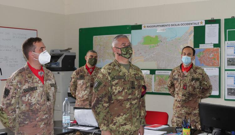 Visita alla sala operativa di Strade Sicure del raggruppamento Sicilia Occidentale