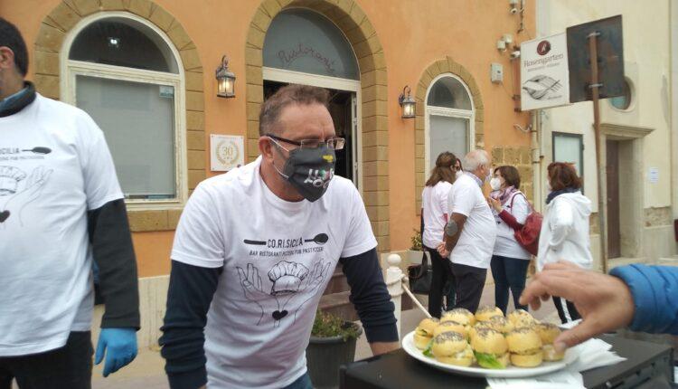 flash mob Punta Secca – i ristoratori offrono uno spuntino