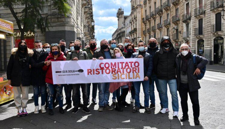 foto 2 – manifestazione 1 aprile – #IOAPRO – la delegazione di Co.Ri.Sicilia –