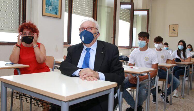 ministro istruzione Patrizio Bianchi visita stamattina Duca degli Abruzzi di Catania (2)