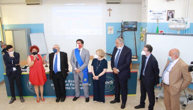 ministro istruzione Patrizio Bianchi visita stamattina Duca degli Abruzzi di Catania (5)