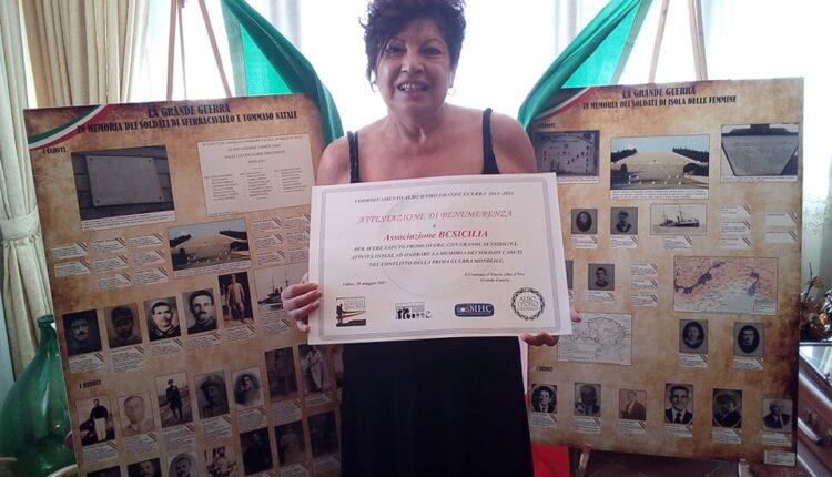 Agata Sandrone Presidente BCsicilia di Isola delle Femmine con Attestato di Benemerenza