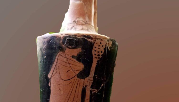 Menade dipinta su vaso greco