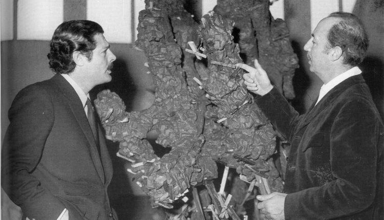 Torino, 1961. Dx lo scultore Umberto Mastroianni con il nipote attore Marcello Mastroianni, LGT
