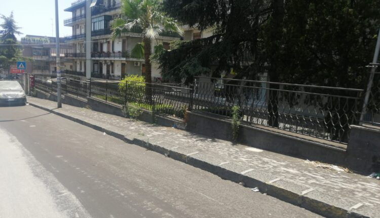 cenere vulcanica marciapiedi e bordi carreggiate II municipio catania (1)