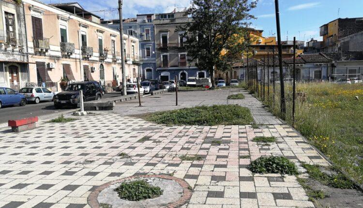 via toledo e via moncada con piazza ed ex scuola (2)