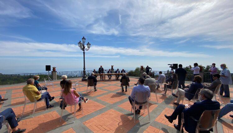 04bis, Milo, conferenza stampa dei cinque sindaci vulcanici