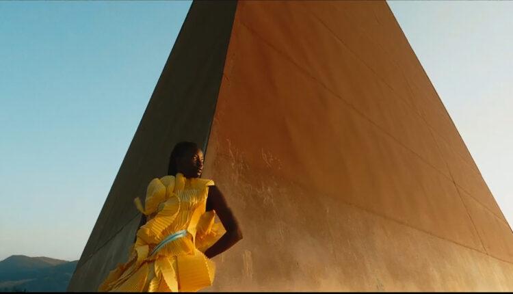 Piramide 38° Parallelo – Mauro Staccioli