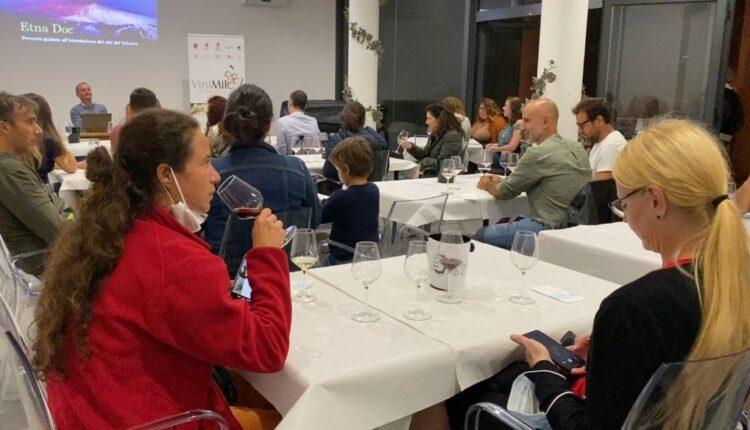 110921, corso del Consorzio Etna Doc, stranieri a lezione di vino