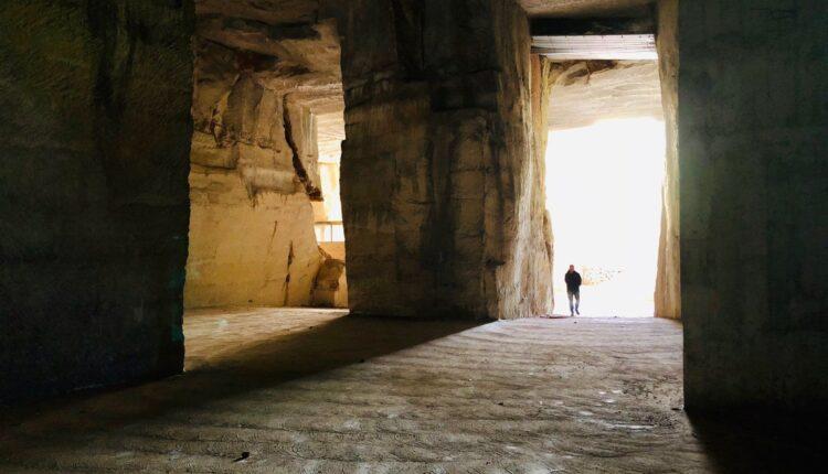 RAGUSA_Cave Gonfalone