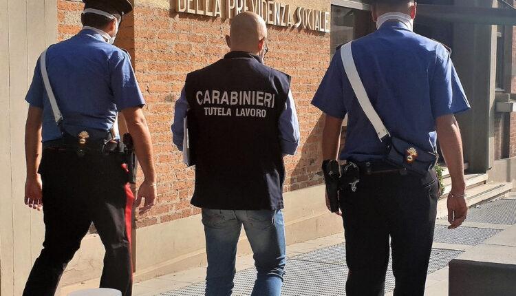 foto Carabinieri reddito cittadinanza